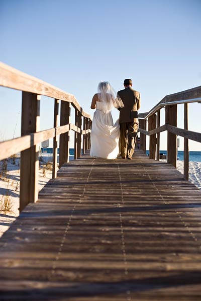 Bride & Groom on Boardwalk