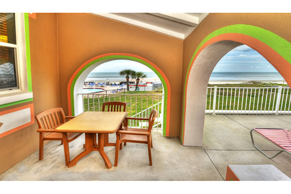 https://z0sqrs-a.akamaihd.net/2574-superiorsmalllodging/600x400_images/Audrey_Beach_House/New-Beach-House-Patio-Arches-JPEG.jpg