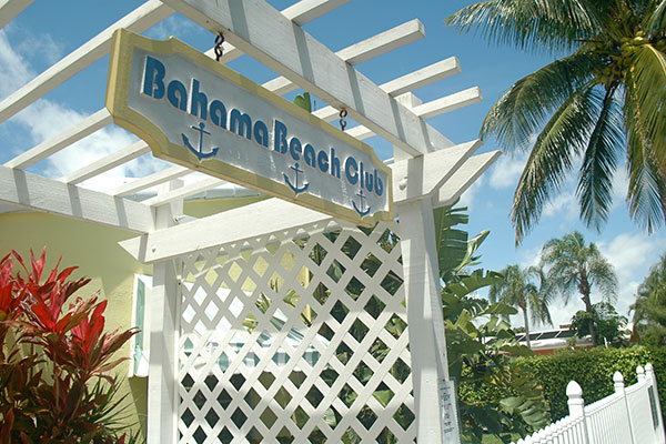 https://z0sqrs-a.akamaihd.net/2574-superiorsmalllodging/600x400_images/Bahama_Beach_Club/01-BahamaSign2.jpg