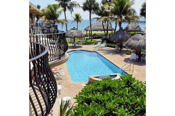 https://z0sqrs-a.akamaihd.net/2574-superiorsmalllodging/600x400_images/High_Noon_Beach_Resort/id_003.jpg
