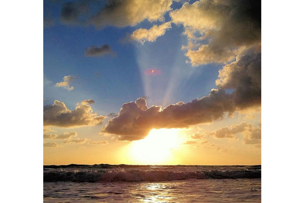 https://z0sqrs-a.akamaihd.net/2574-superiorsmalllodging/600x400_images/Tropic_Seas_Resort/id_004.jpg