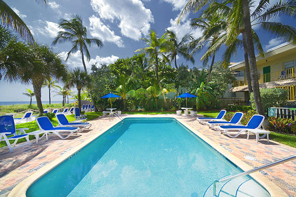 https://z0sqrs-a.akamaihd.net/2574-superiorsmalllodging/600x400_images/Tropic_Seas_Resort/id_011.jpg