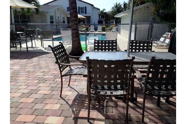 https://z0sqrs-a.akamaihd.net/2574-superiorsmalllodging/Gulf_Breeze_Condos/IMG_1858%20(Copy).jpg