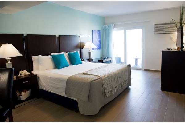 https://z0sqrs-a.akamaihd.net/2574-superiorsmalllodging/Hotel_Sheldon/id_003%20(Copy).jpg
