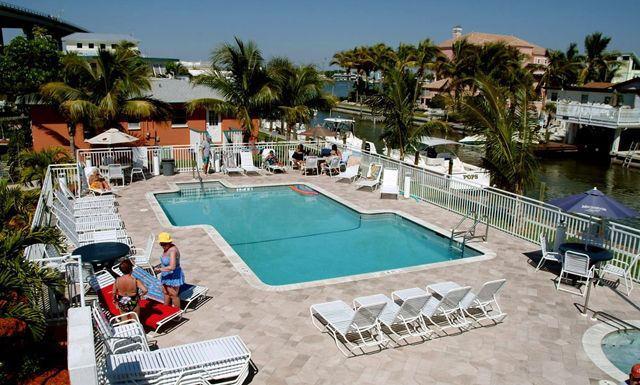 Dining room table in Matanzas Inn Bayside Resort