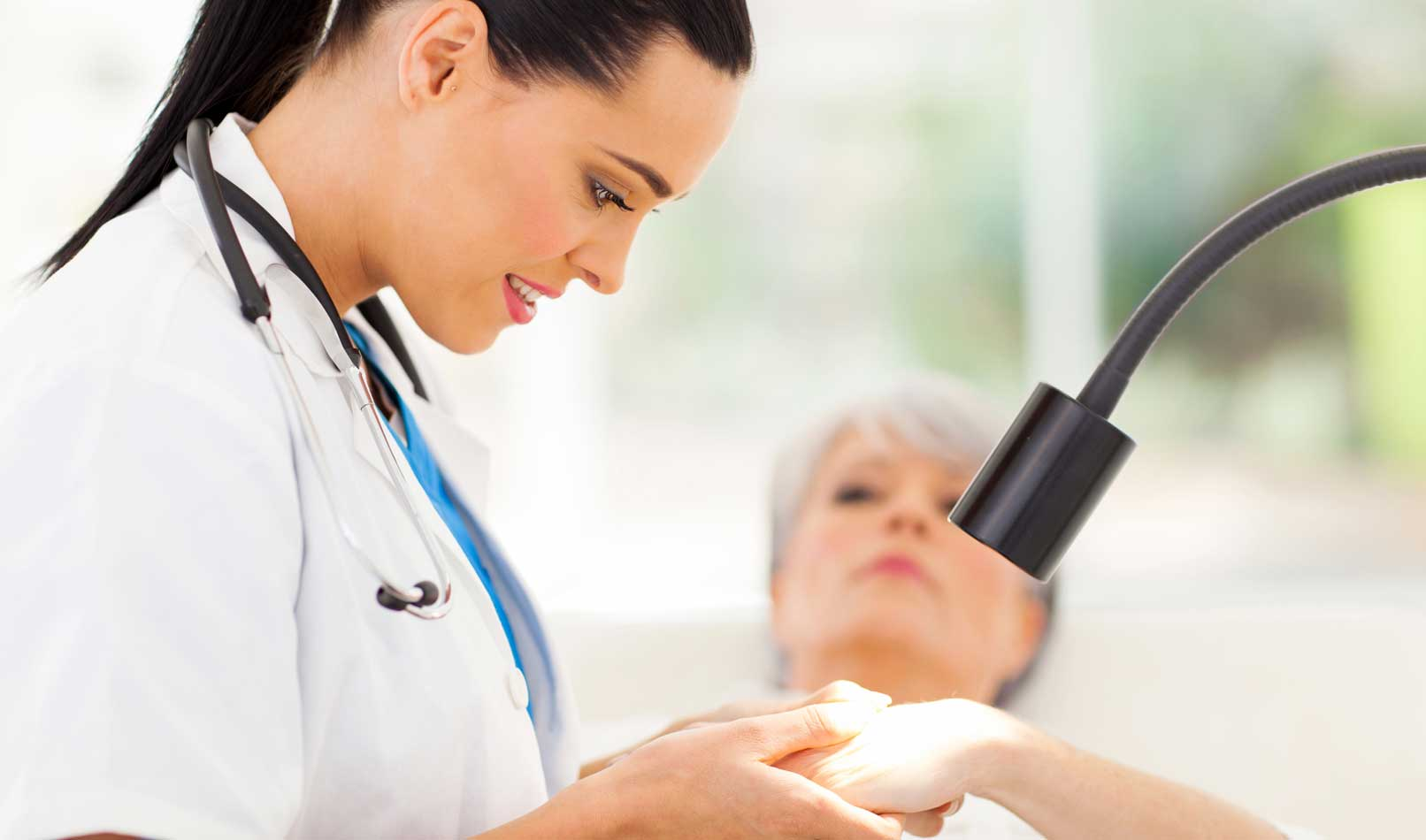 lady-doctor-treatment-mohs-surgery