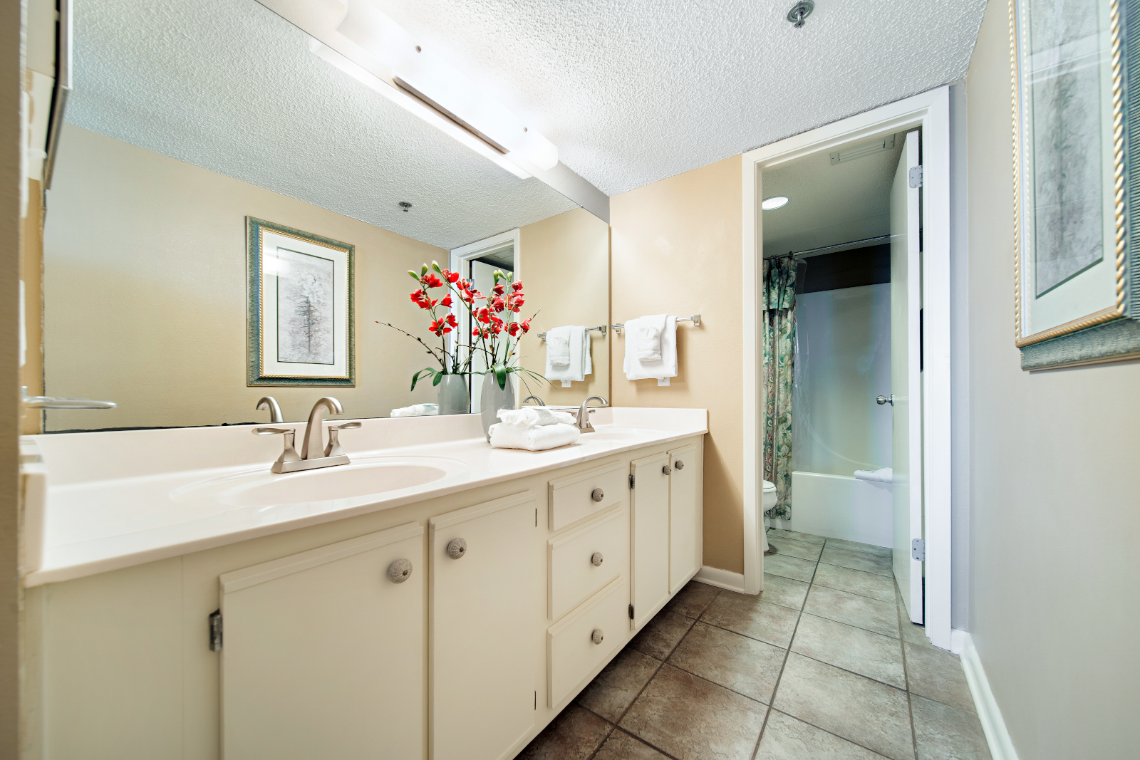 Master Bathroom with His & Her Sinks