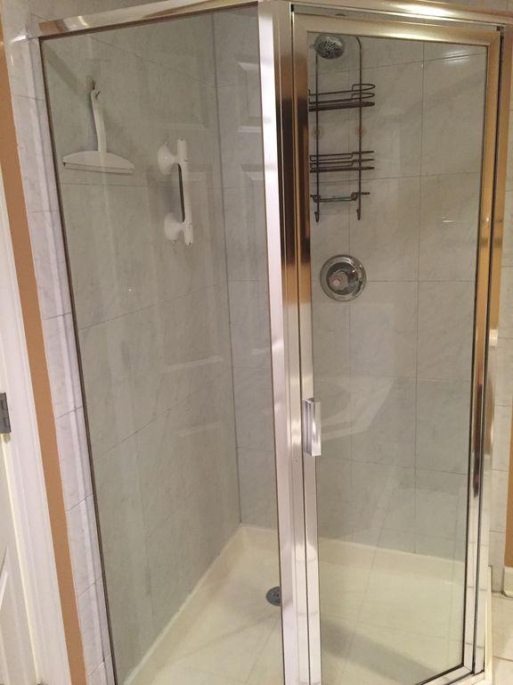 Master Glass Enclosed Shower