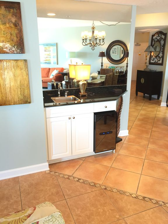 Wet Bar with New wine Chiller
