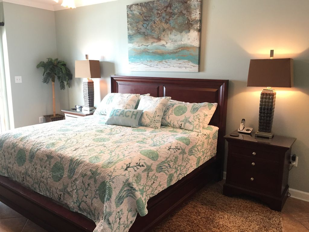 Master Gulf Front Bedroom with Comfortable King Bed
