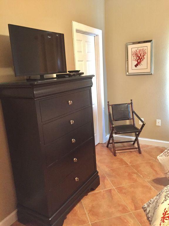 Twin Bedroom with Walk in Closet, TV & DVD