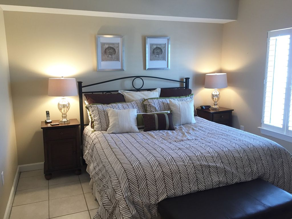 Guest King Bedroom with Private Bath