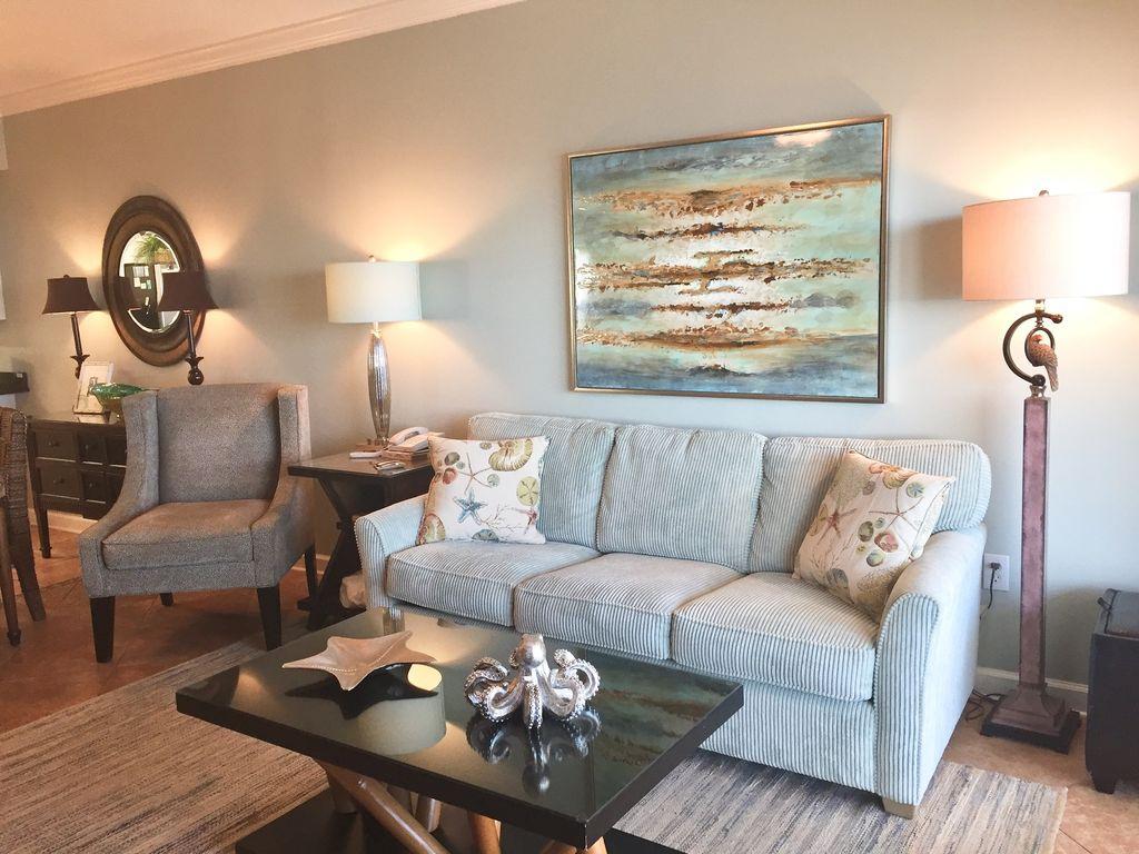 Gulf Front Livingroom