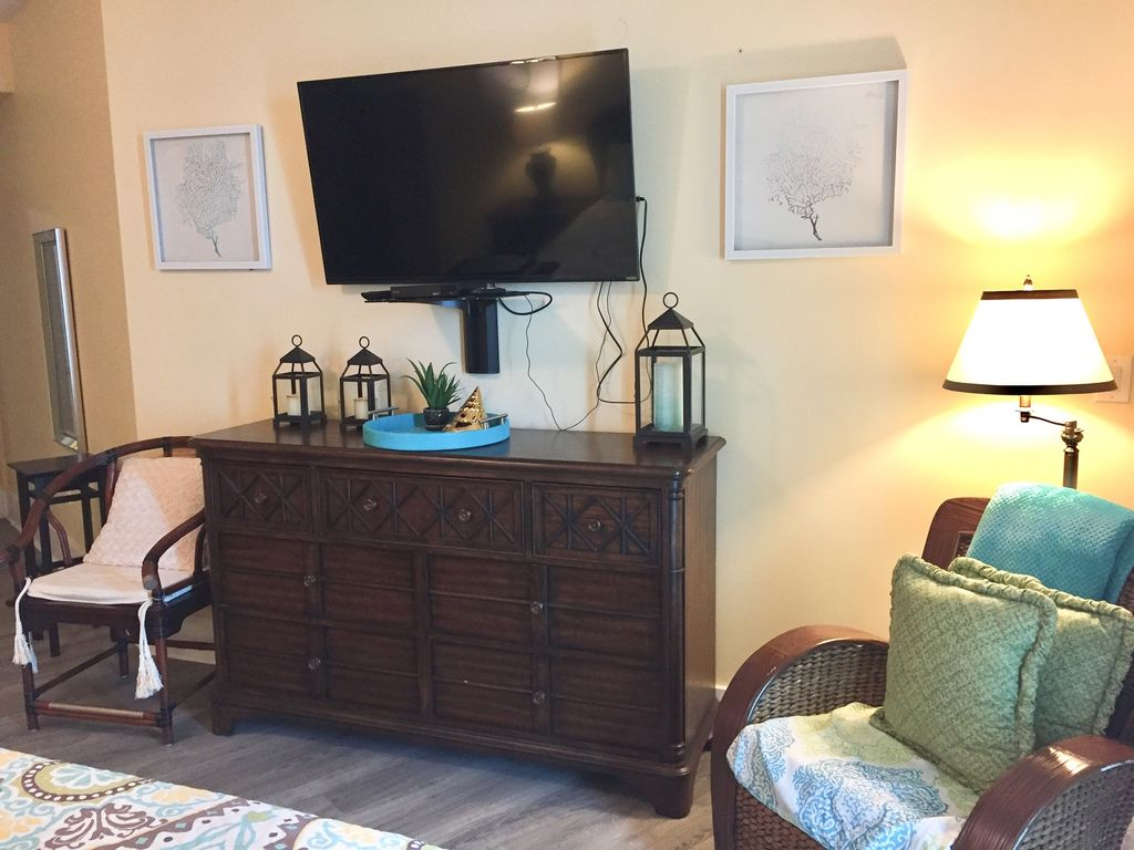 Caribe - Master bedroom with Large TV and Dvd