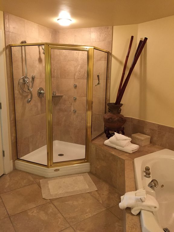 Caribe - Master glass enclosed Shower