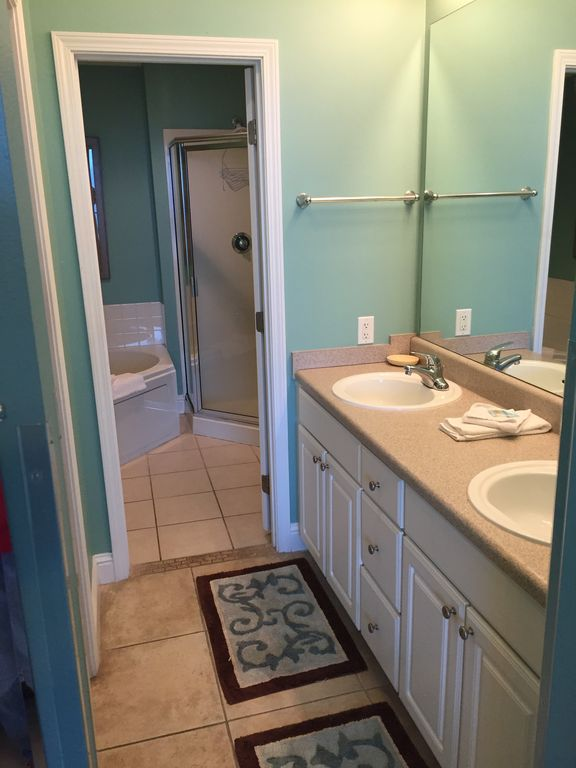 Master Bath with Double Sinks and Walkin Closet