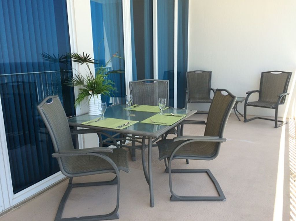 Large Balcony with seating for 6