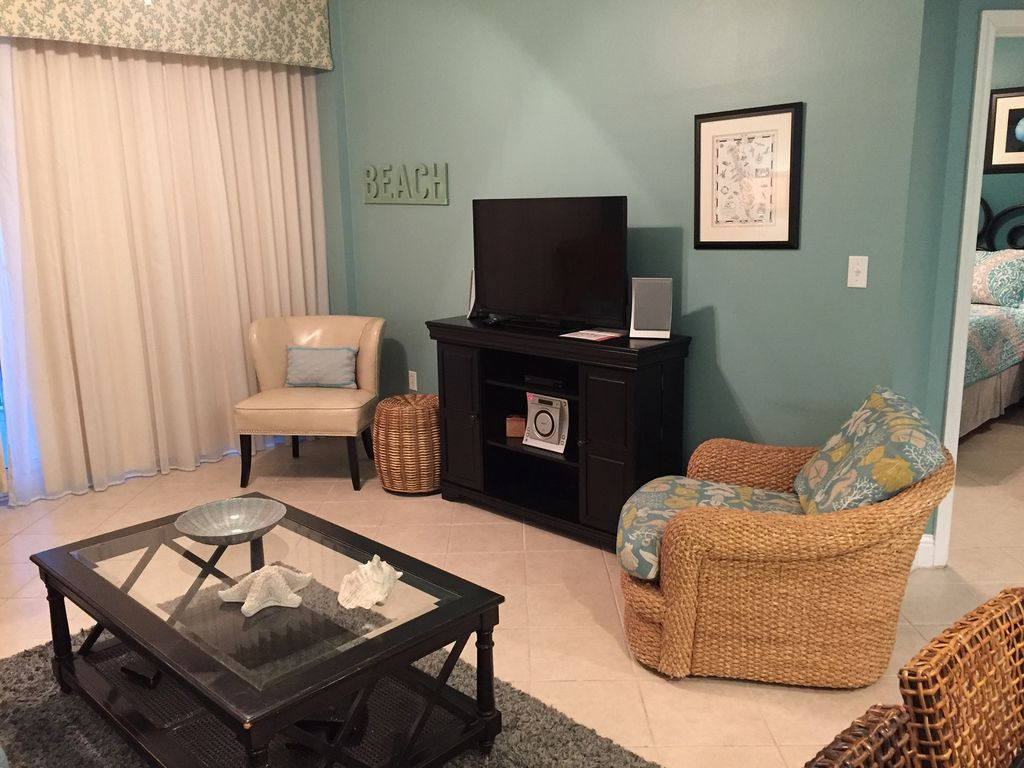 Gulf Front Living Room with 50 inch HDTV and Blu Ray and Stereo
