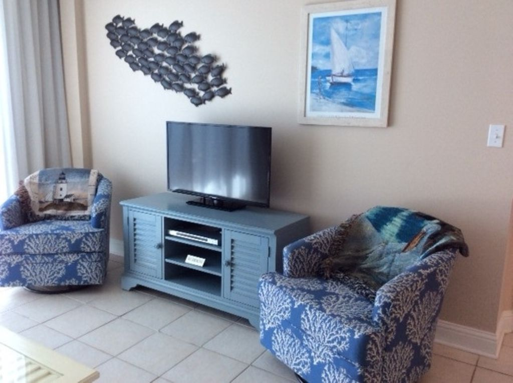 Lighthouse unit with Gulf Front Livingroom
