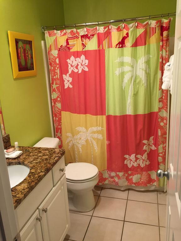 Guest Bath that opens to both Guest Bedroom and Hallway for drop in Guests