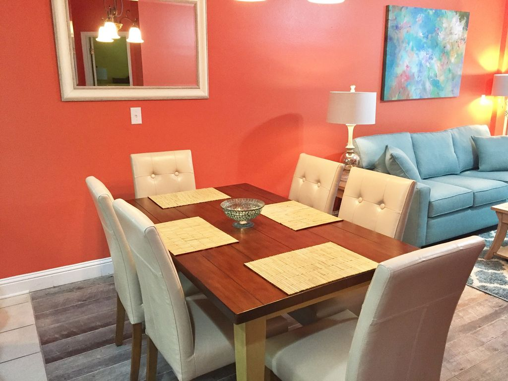 Dining with Seating for 6