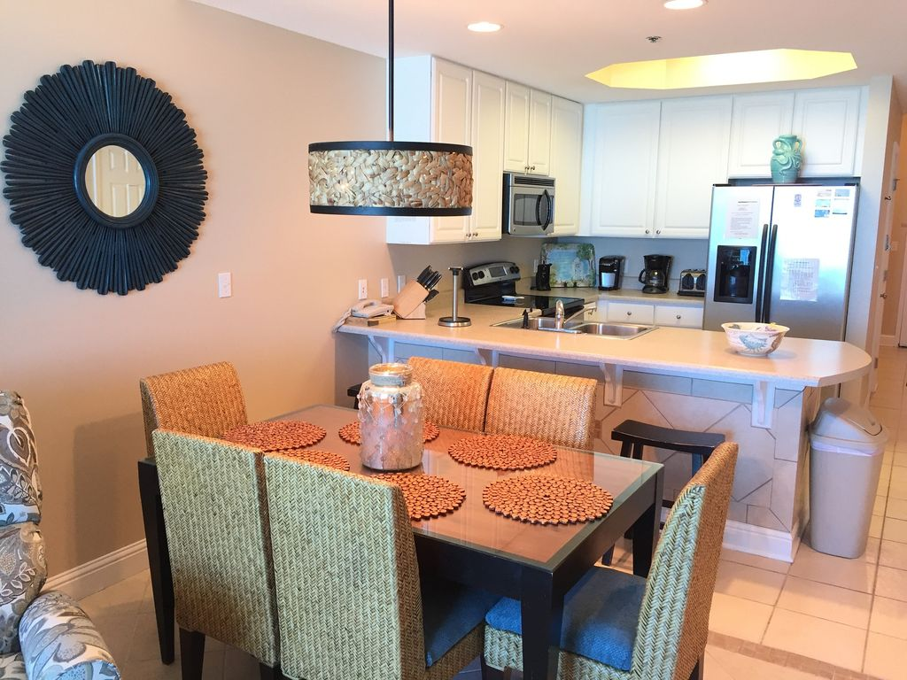Dining with Seating for 6. Breakfast Bar with seating for 3