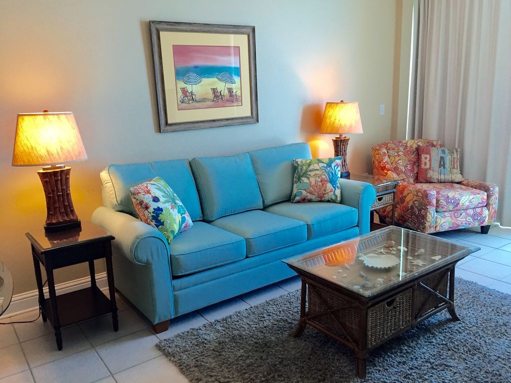 Livingroom opening to gulf front balcony