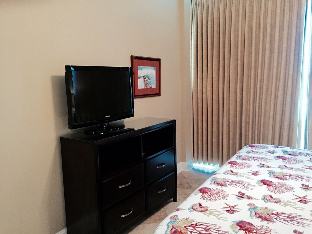 Master Bedroom HDTV with DVD