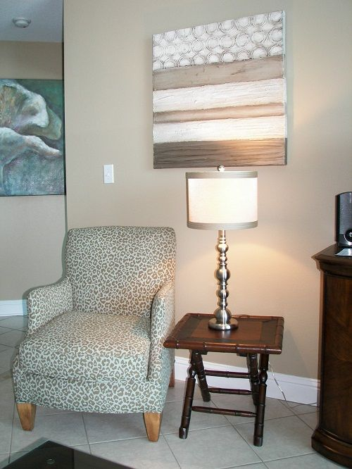 Lighthouse - additional seating in livingroom