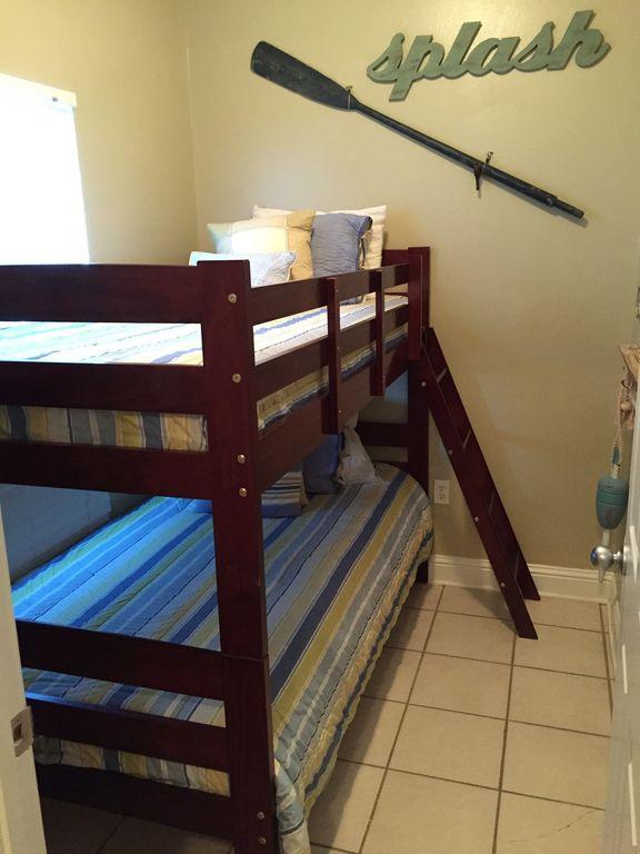 Bonus room with Bunk Beds