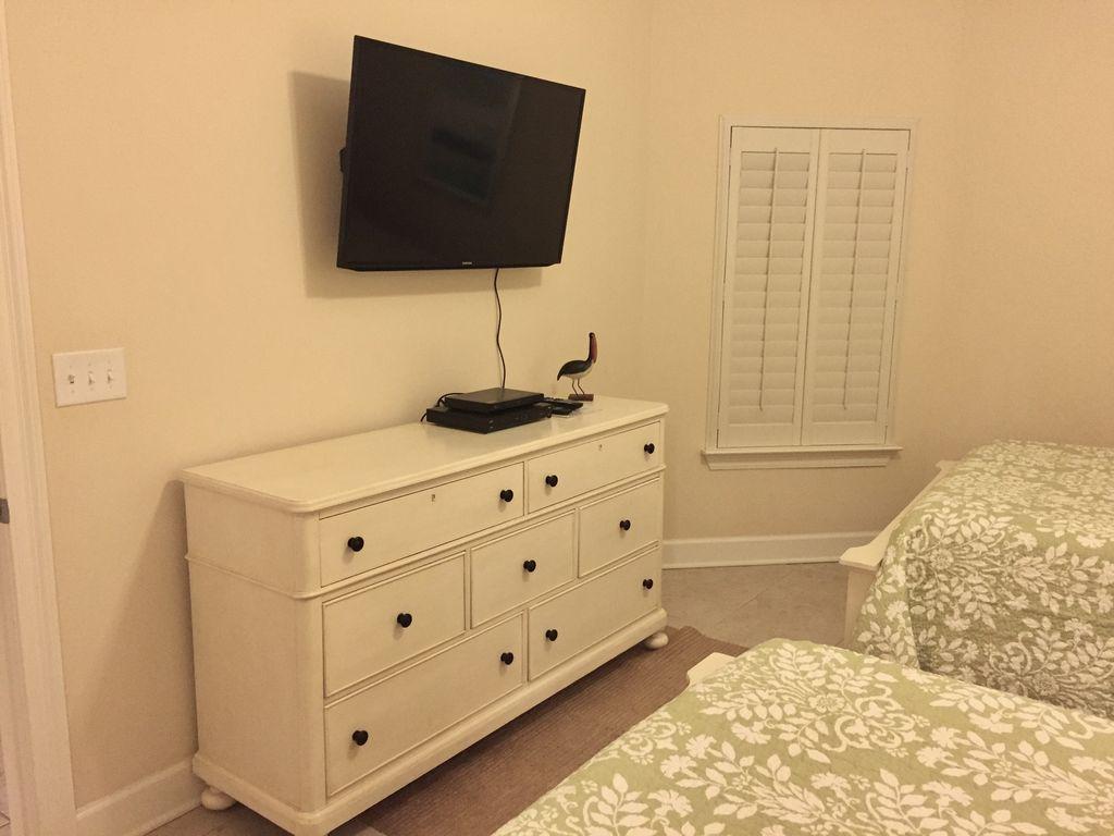 TV & DVD in Queen Guest Bedroom