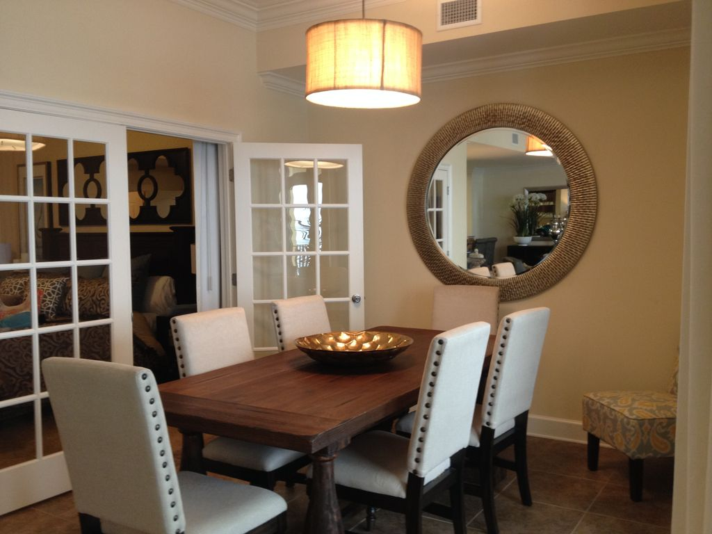 Dining Room Oversizer table with seating for 6