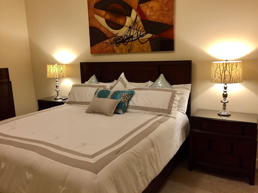 King Guest Bedroom with Private Bath