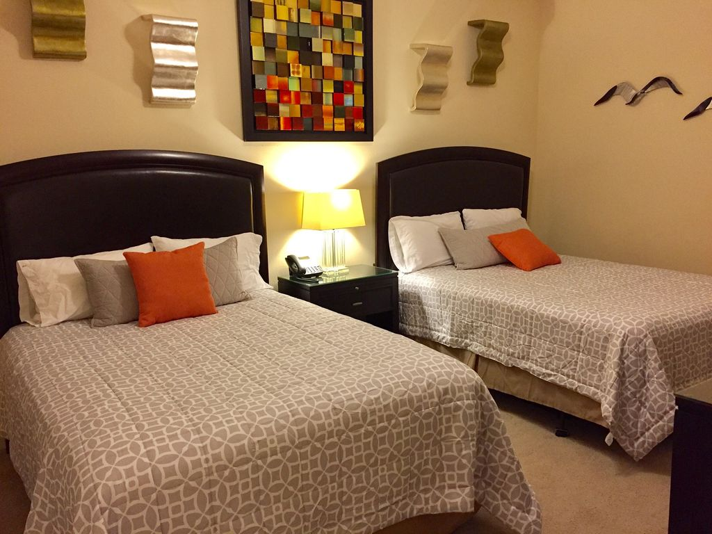 Guest Bedroom with 2 Queen Beds & Private Bath
