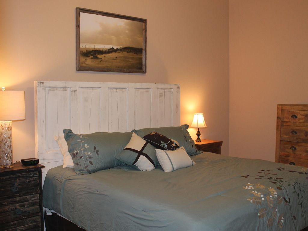 2nd Master Suite with King Bed with 42