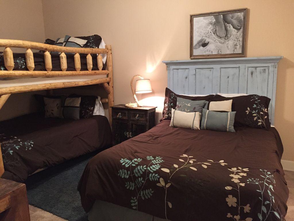 Queen GUest room with Queen Bunkbeds