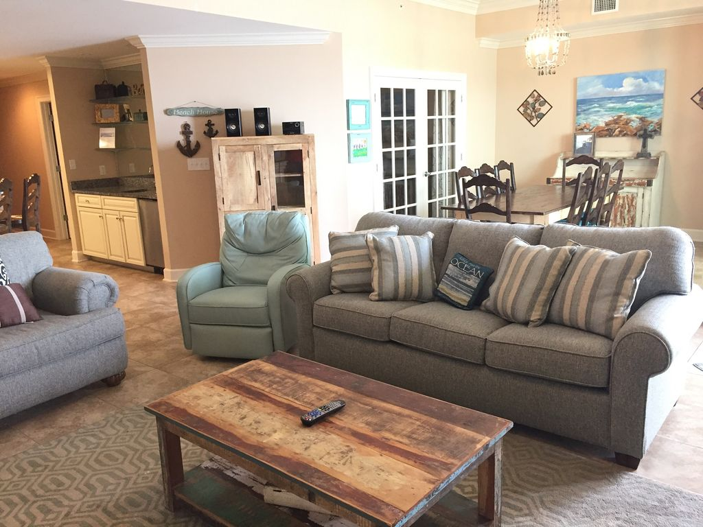 Dining room with seating for 6, and view of Queen Sleeper Sofa & recliner