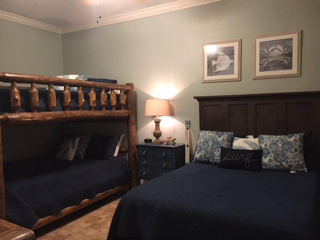 Guest Room with 3 Queen Beds - New Wall Color