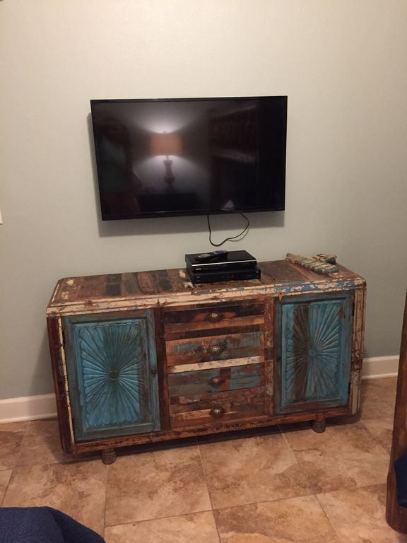 Guest Bunkroom With New Paint Color, TV & Dvd player