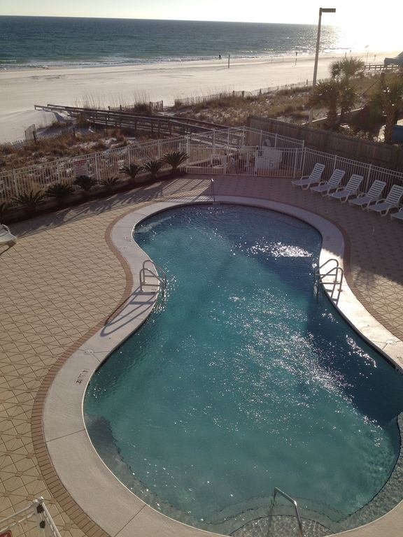 Romar Tower Outdoor Pool