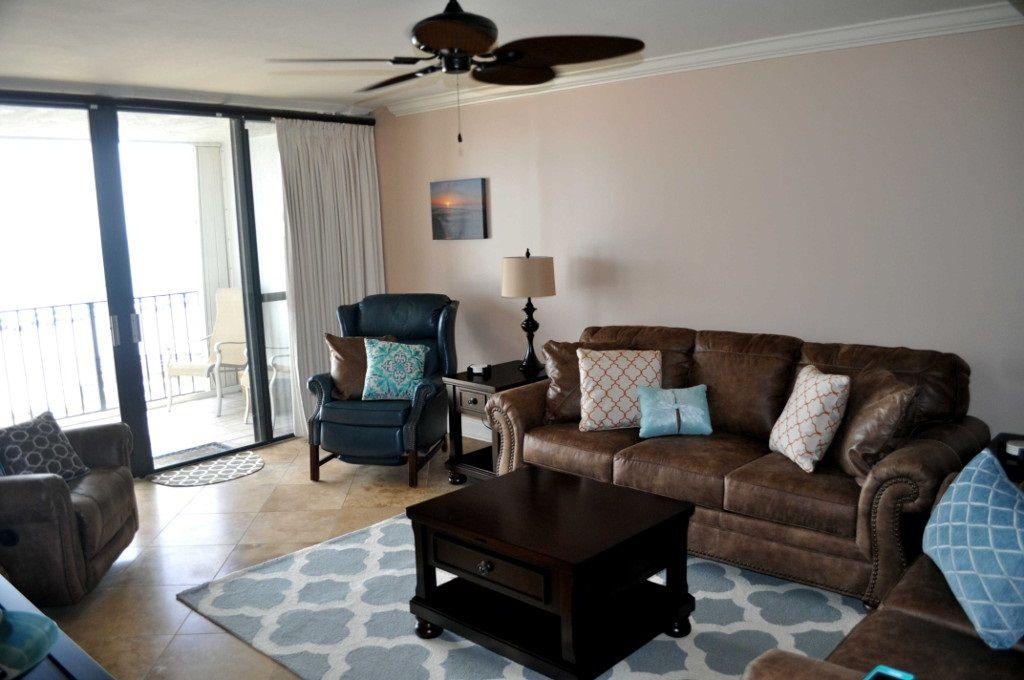 Spacious Livingroom at Romar Tower