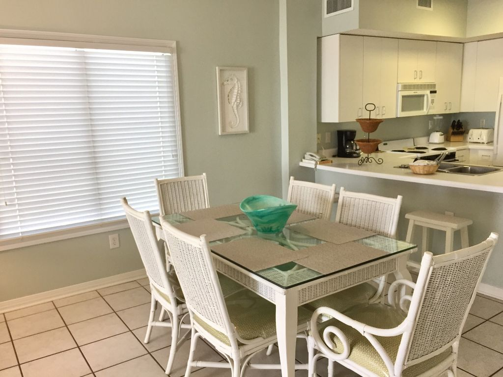 Dining Room table with seating for six