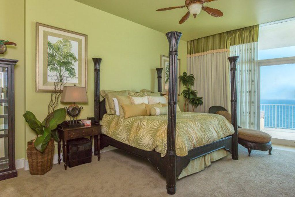 East Master Suite on Gulf