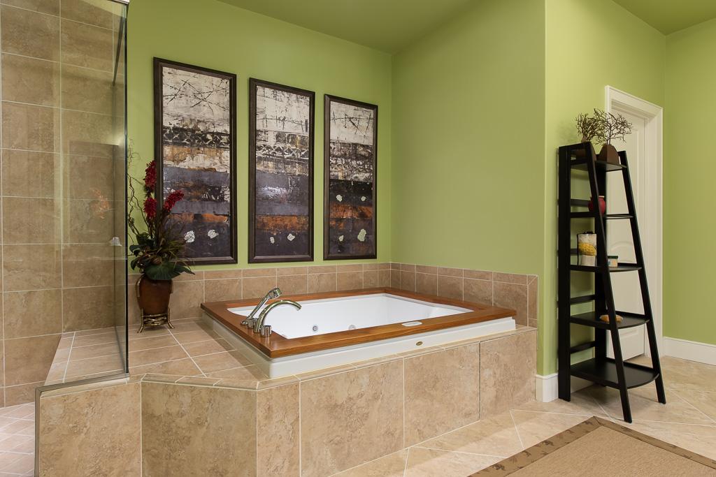 West Master Bath Oversized Jetted Tub
