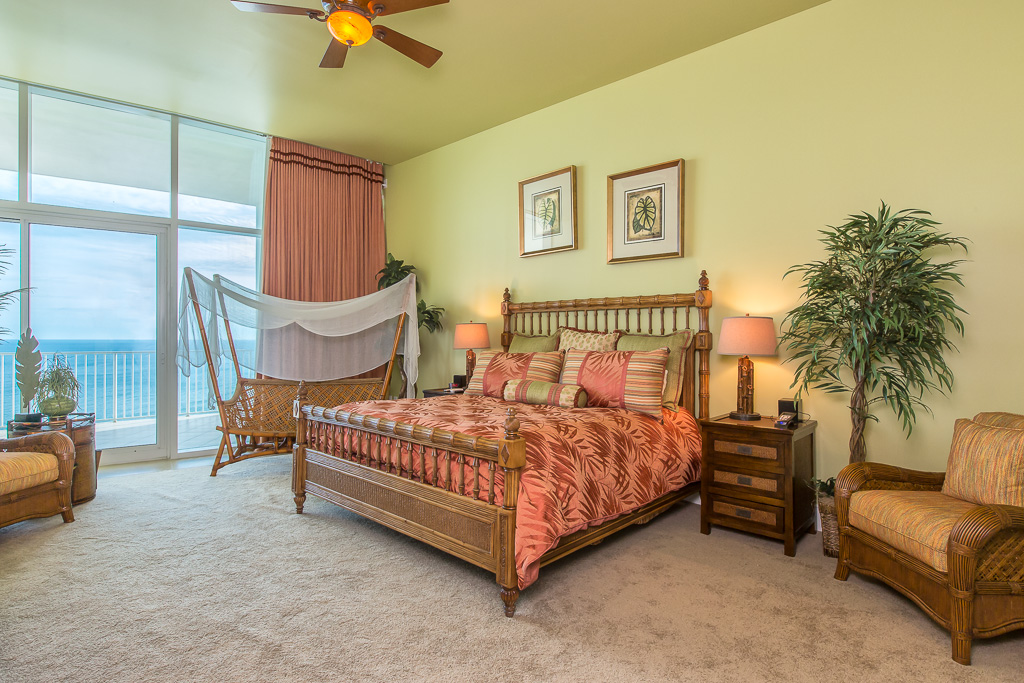 West Master Bedroom on Gulf