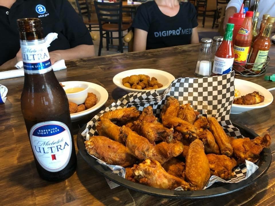 Image of Beer and Wings