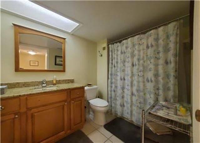 Unit D40 Bathroom