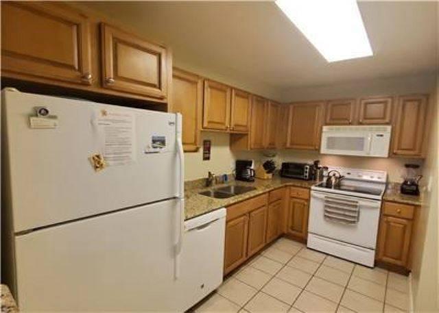 Unit D40 Kitchen view 3