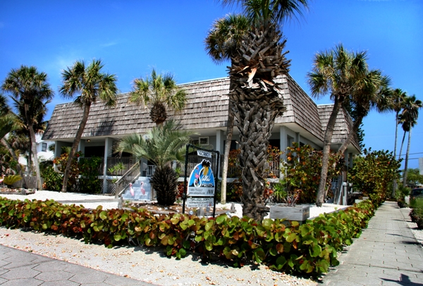 Sabal Palms Inn Sign