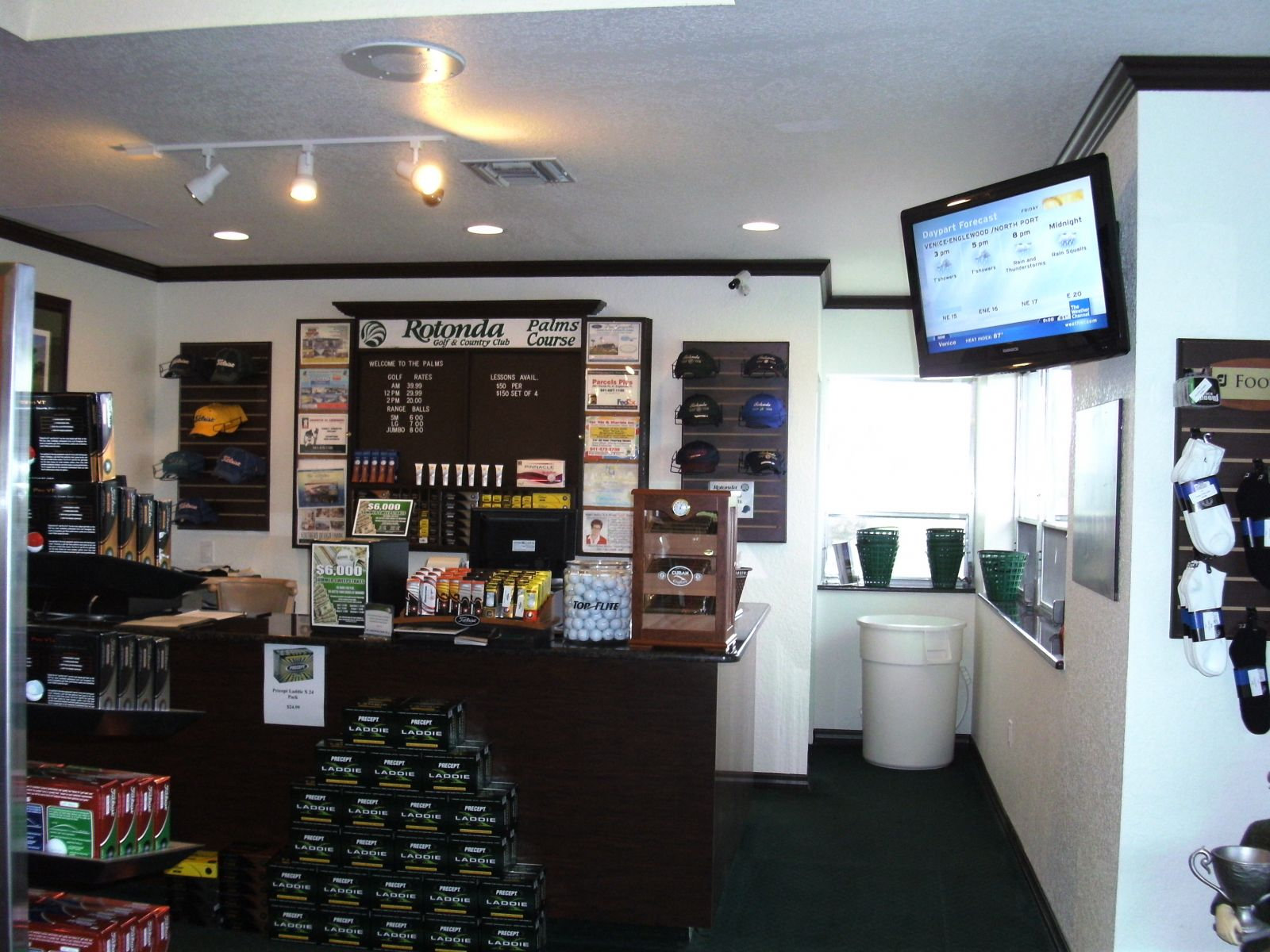 The Palms Pro Shop front desk